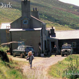 The Dark 2005 film review | Book Addicts